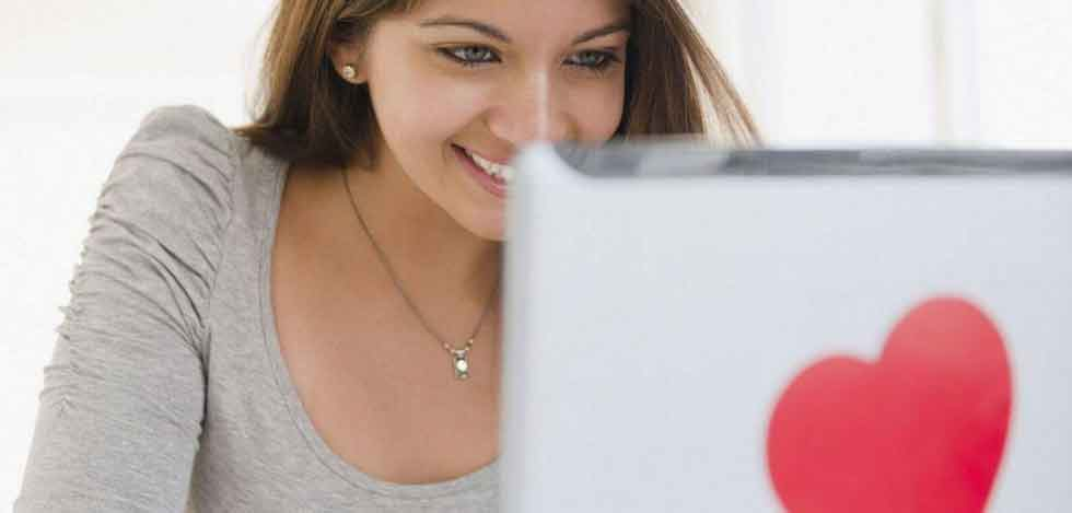 Girls in Poland are using polish dating sites to date in internet. Polish dating has gone to Internet.