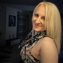 Lady  from Poland  'AlicjaM', waiting to meet men